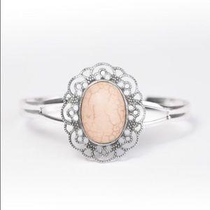 Jewelry - 🐌 Name that dune bracelet